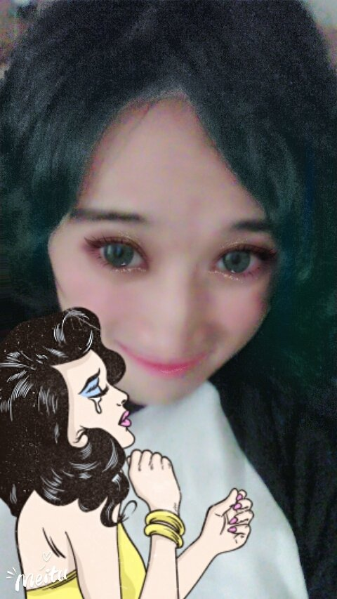 I&#39;m really liking the new #BeautyPlus stickers and the new #MakeupPlus hair dyes made by #Meitu! Thank you guys, it was fun experimenting!  <br>http://pic.twitter.com/6KG2PQn2GI