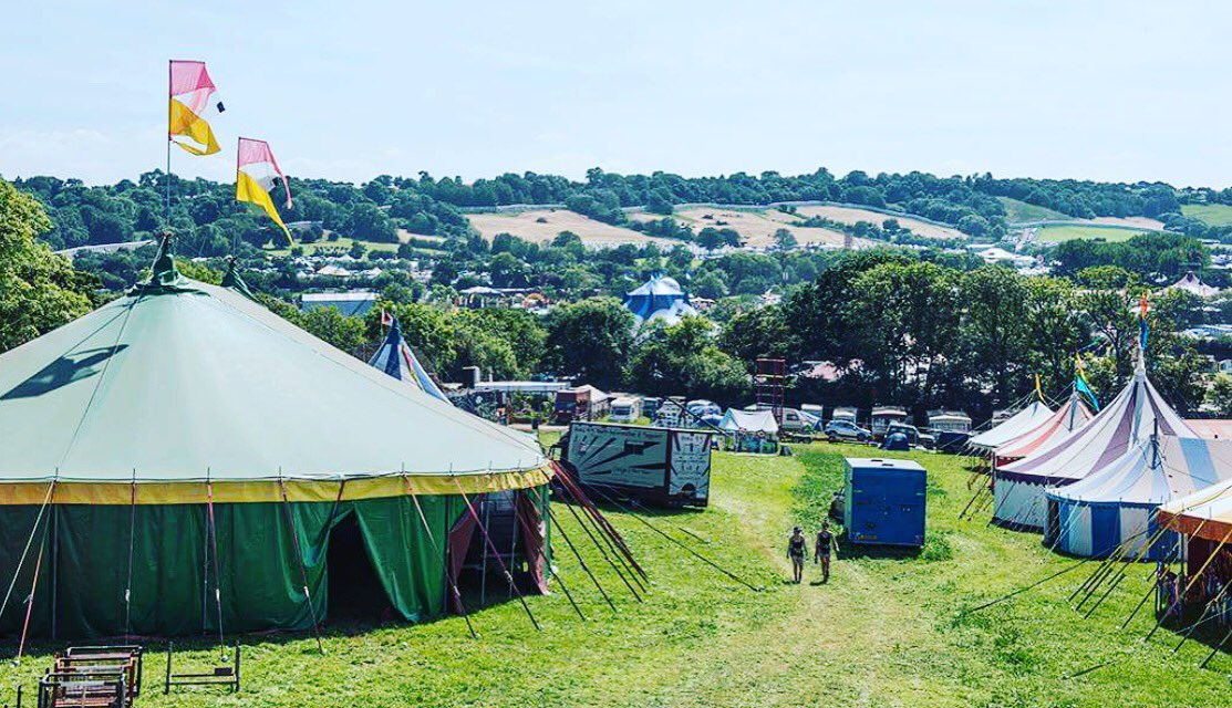 It&#39;s TODAY! Safe travels everyone  #glasto17 #glastonbury<br>http://pic.twitter.com/zYdQdejFqY