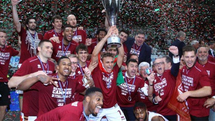 Basket: Venezia torna a vincere lo scudetto dopo 74 anni | Video Festa Campioni d'Italia