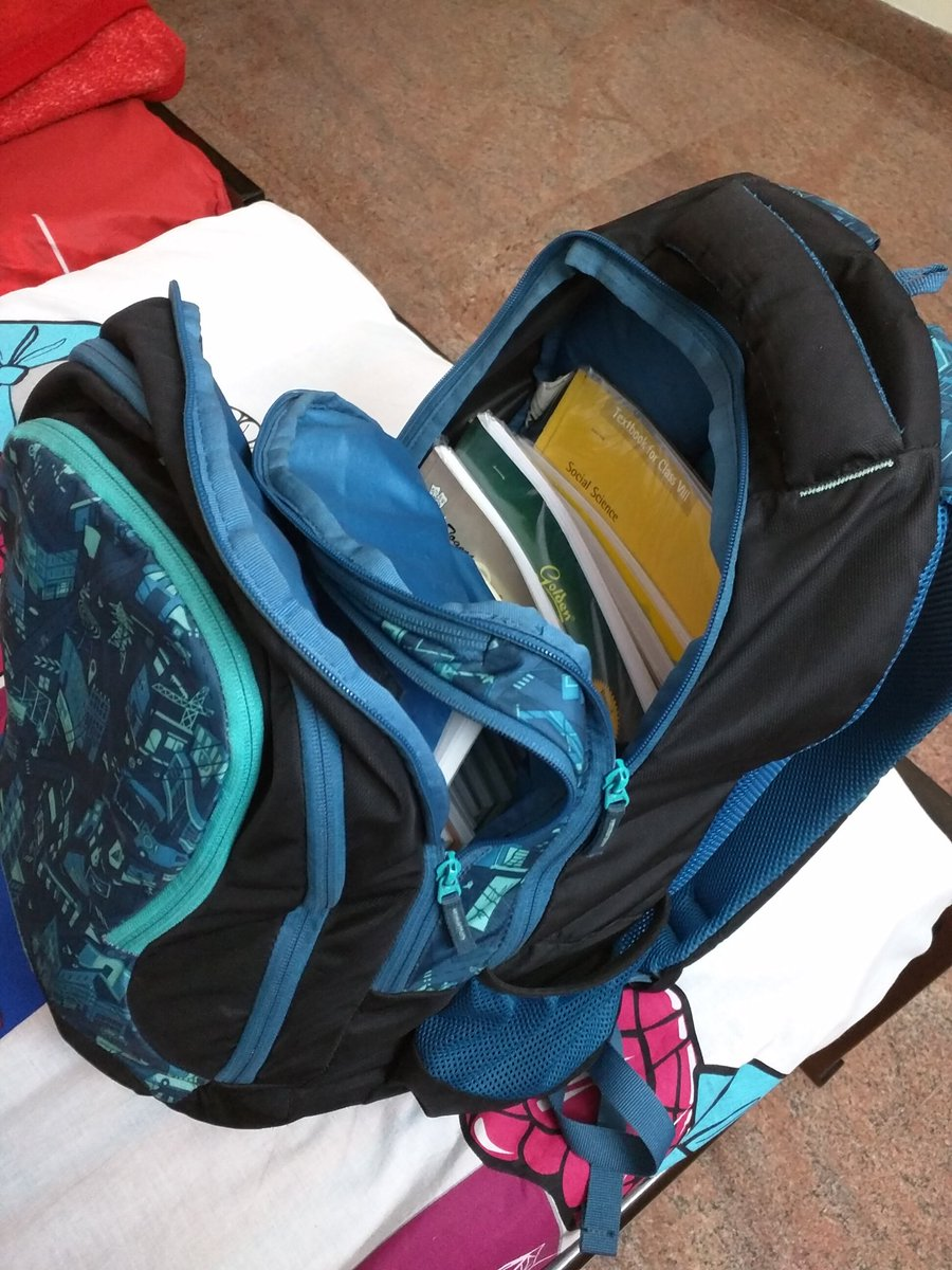 #cbse @HRDMinistry @PrakashJavdekar for yrs hearing about #reduction of #schoolbag weight.. nothing changed ,#10kg sure to break #kidsback<br>http://pic.twitter.com/fPkGleWRzT