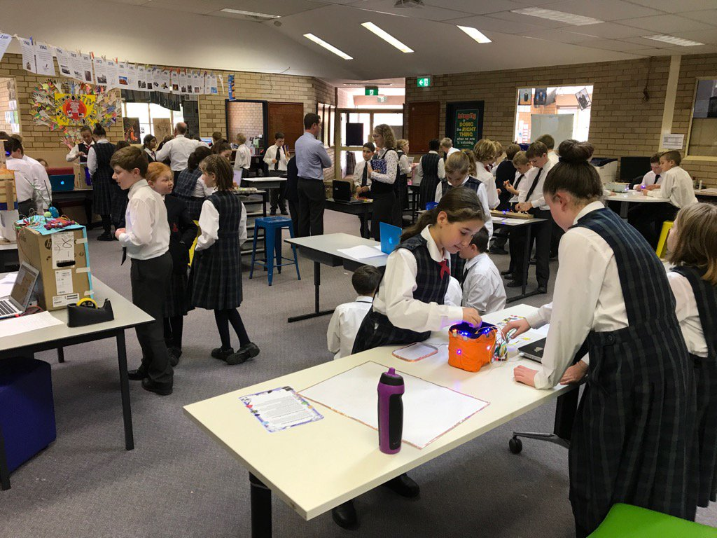 Something special in Science designing with Yr5 @calrossy #electrifying #current affairs #shocking #principalpuns<br>http://pic.twitter.com/y1TRzOBMEn