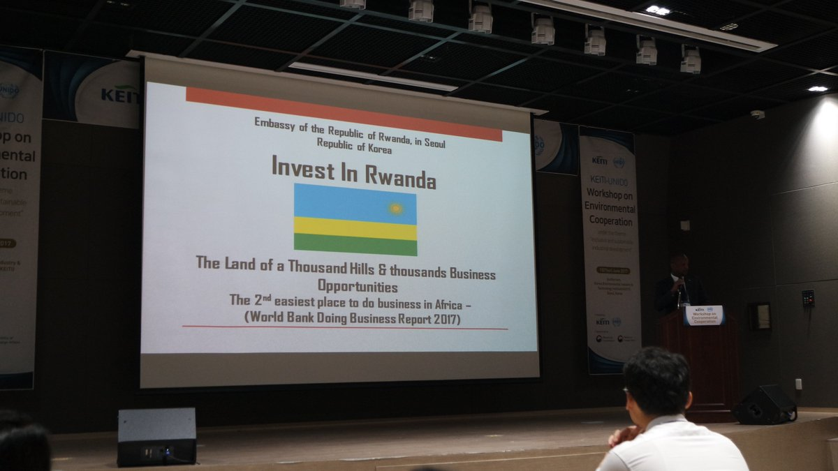 #Rwanda&#39;s Investment Opportunities presented during an #Investment seminar on Trade &amp; Environment orgnized by @unidoseoul &amp; @keiti_edu Korea<br>http://pic.twitter.com/Ap0p2bQOyV