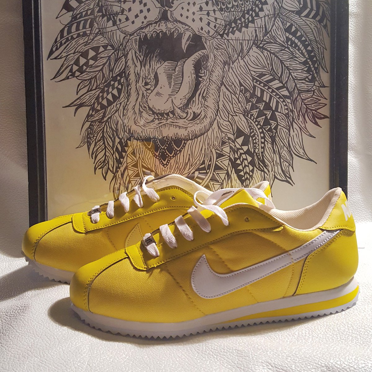 My new ones!!!  #yellow #nike #cortez #sneakers #sneakerlover #sneakerhead #coolhunter #singleandfabulous #bonitoleongto<br>http://pic.twitter.com/OA16F8X93F