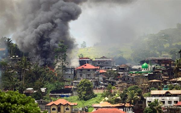 フィリピンのミンダナオ島がイスラム国(IS)の拠点化 戒厳令後の死者360人 https://t.co/M2MAlW0EFS