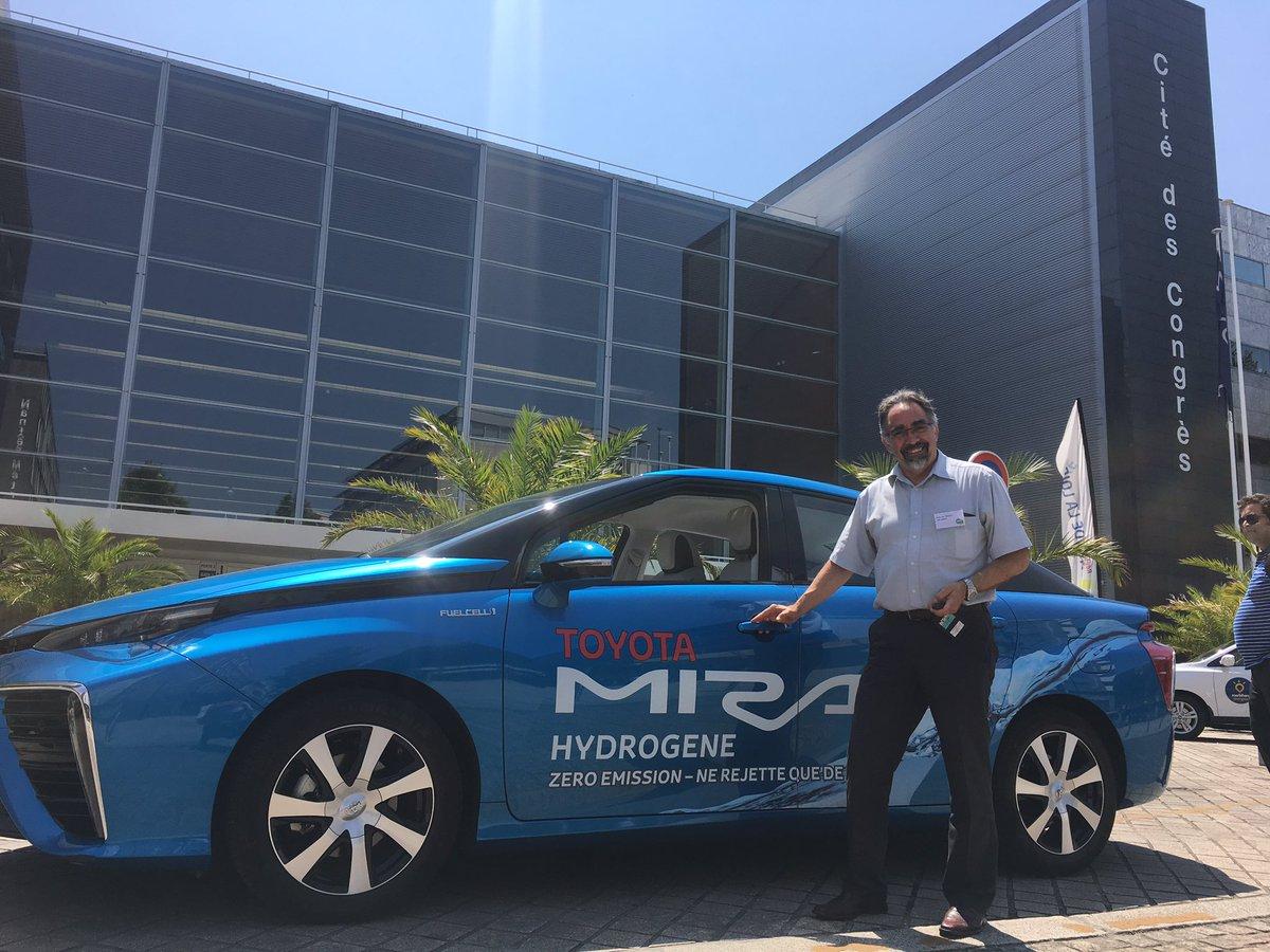 RT @Ad_Venta Essai de la @ToyotaFrance #mirai aux journées de l'hydrogène #Nantes. Conduite zen et agréable!