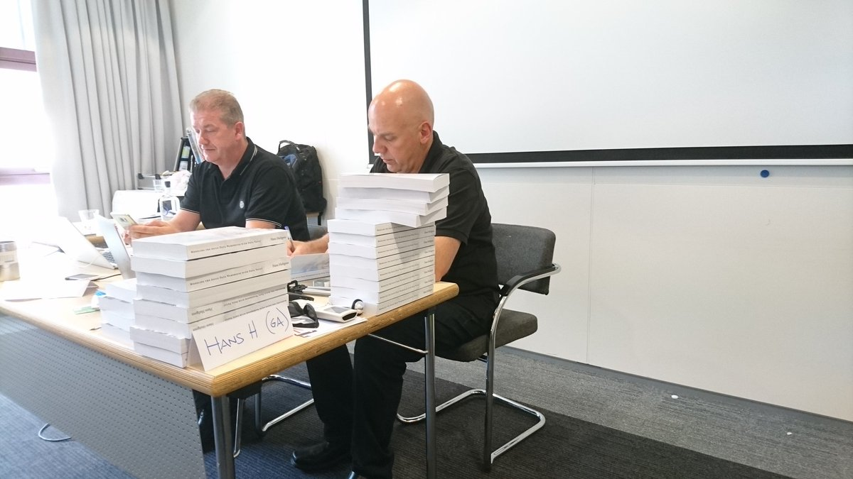 @GeneseeAcademy #DataVault exam started in full concentration.  @gohansgo signing his #Ensemble #Modeling book as a reward for a great class<br>http://pic.twitter.com/9mwlhusWtP