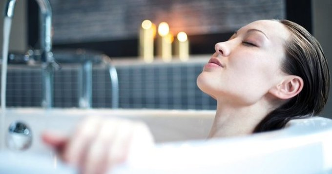 Relax ; Refresh With This DIY Spa Night