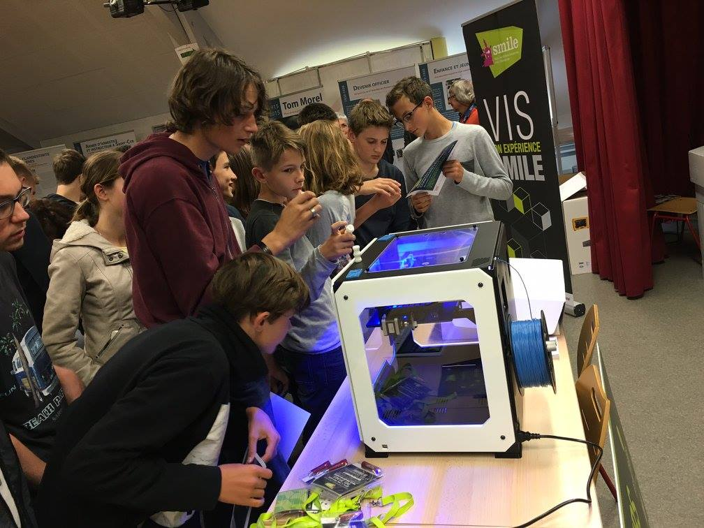 SMILE TECHNO 3D, un jeu qui récompense les collégien.e.s ✅ une impirmante #3D arrive au Collège 🚩  https://t.co/1Wr6NInGTU  #SMILE #SNDEC https://t.co/sk1mM7HFDZ