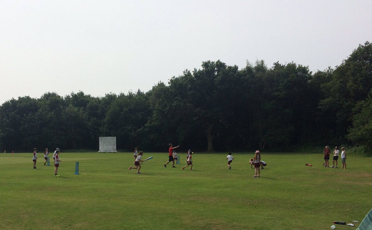 Only a little diamond cricket this morning @appletoncricket @CheshireCB @Chance2Shine #bowling #batting #fielding #dontforgetthesuncream <br>http://pic.twitter.com/okM4YPtqsL
