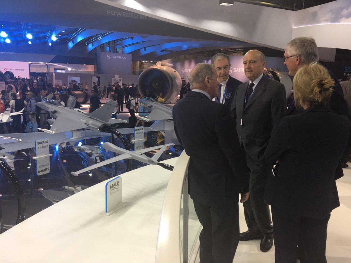 Visite du Salon International de l'Aéronautique et de l'Espace. Fierté française, en particulier dans notre région bordelaise. #PAS17