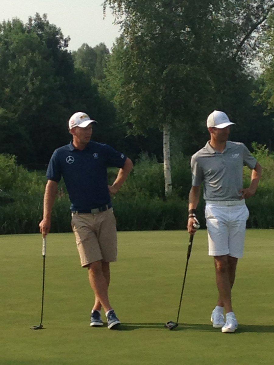 Putting in Eichenried with Marcel Siem #esmuellert #Golf https://t.co/...