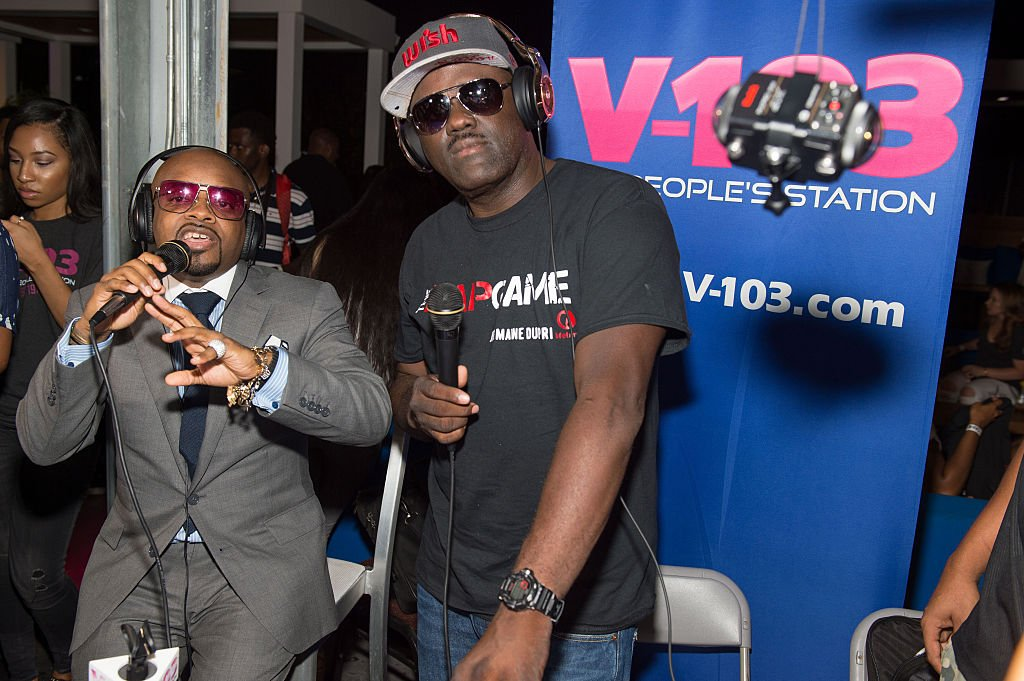 Join us on #AtlantaAlive as we talk to @V103Atlanta @DjGregStreet about his #WeNeed2Read summer program.  http:// on.11alive.com/2tsfLnn  &nbsp;  <br>http://pic.twitter.com/0lTpw0zOMI