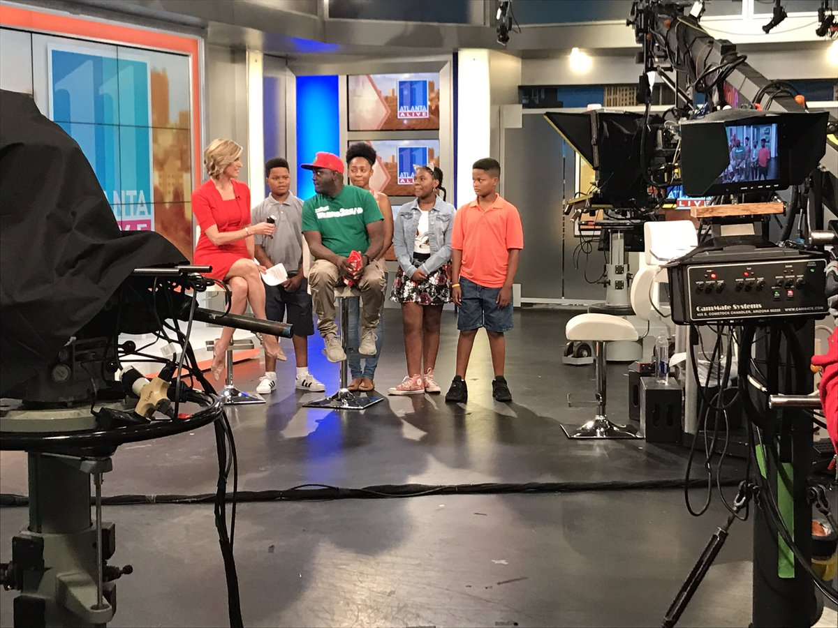 &quot;It&#39;s the best job for the summer!&quot; @DjGregStreet live on #AtlantaAlive talking about his #WeNeed2Read program MORE:  http:// on.11alive.com/2tsmeyF  &nbsp;  <br>http://pic.twitter.com/xQ21EyrPzc