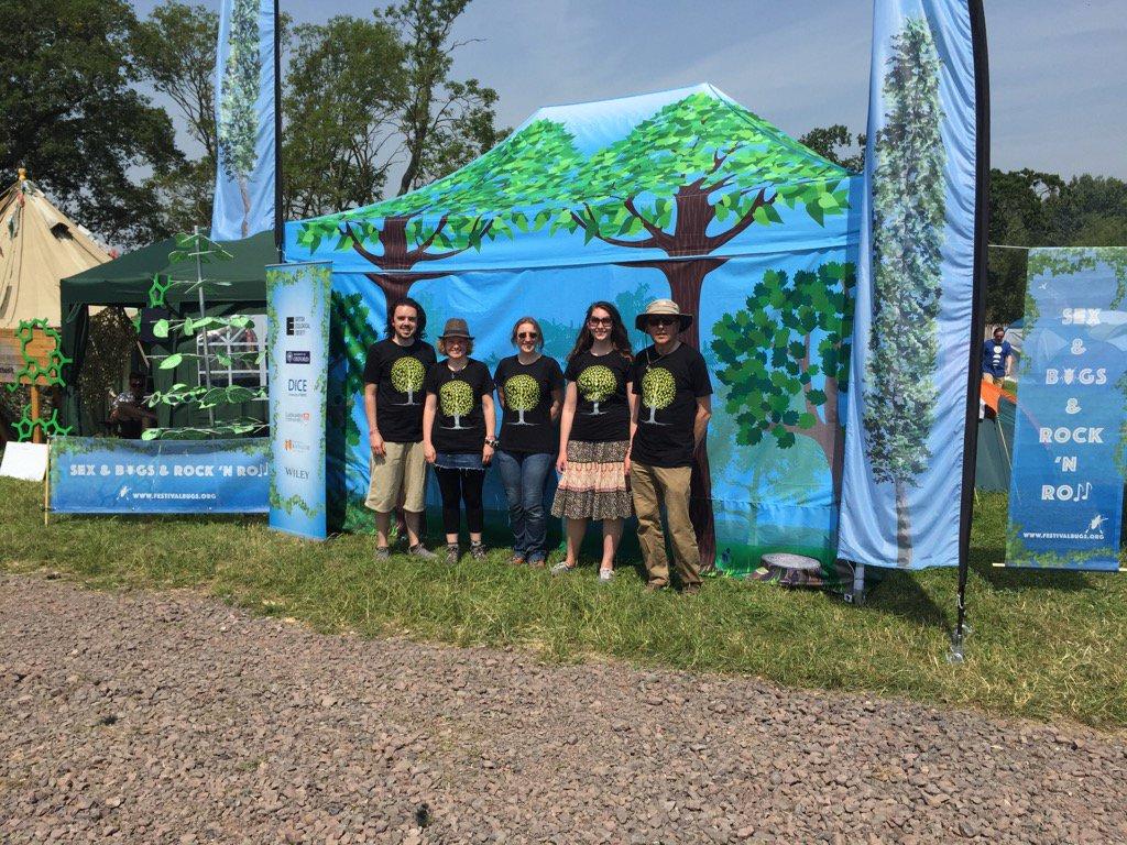 Meet 5 hot ecologists under the trees @ #Glastonbury2017 #heatwaveuk #festivalbugs @bbcglasto  http:// bit.ly/roadbugs  &nbsp;  <br>http://pic.twitter.com/5fhfaMssT5