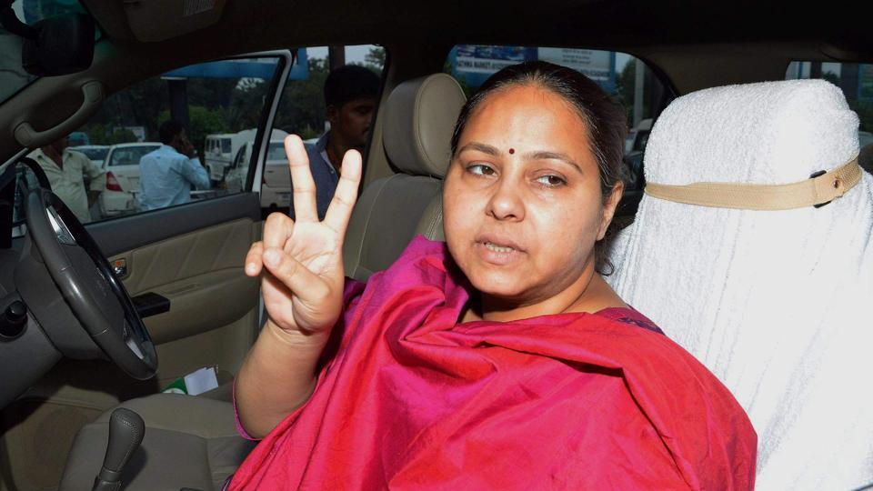Benami land deals: Lalu's daughter Misa Bharti quizzed by IT officials for 5 hours https://t.co/meVyzMYyow