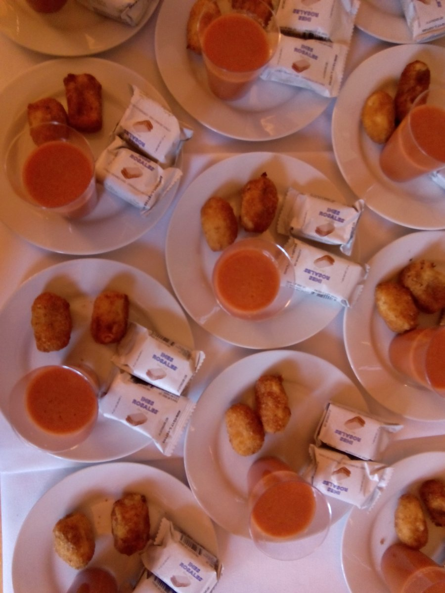 The Ines Rosales #oliveoiltortas were at the Noche Iberoamericana as special desserts from the Spanish #gastronomy <br>http://pic.twitter.com/5TKkJxtPpf