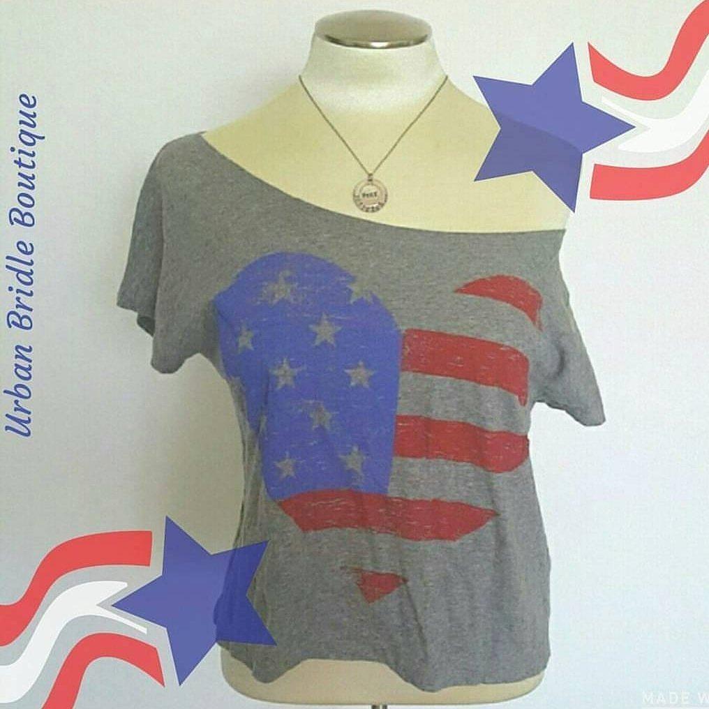 Do u have ur outfit for #4thofJuly yet?  #poshmark #styleblogger #fashionblogger #graphictee #july4th #usa #ootd #wiw #wednesdaywisdom<br>http://pic.twitter.com/QajO8FSouh