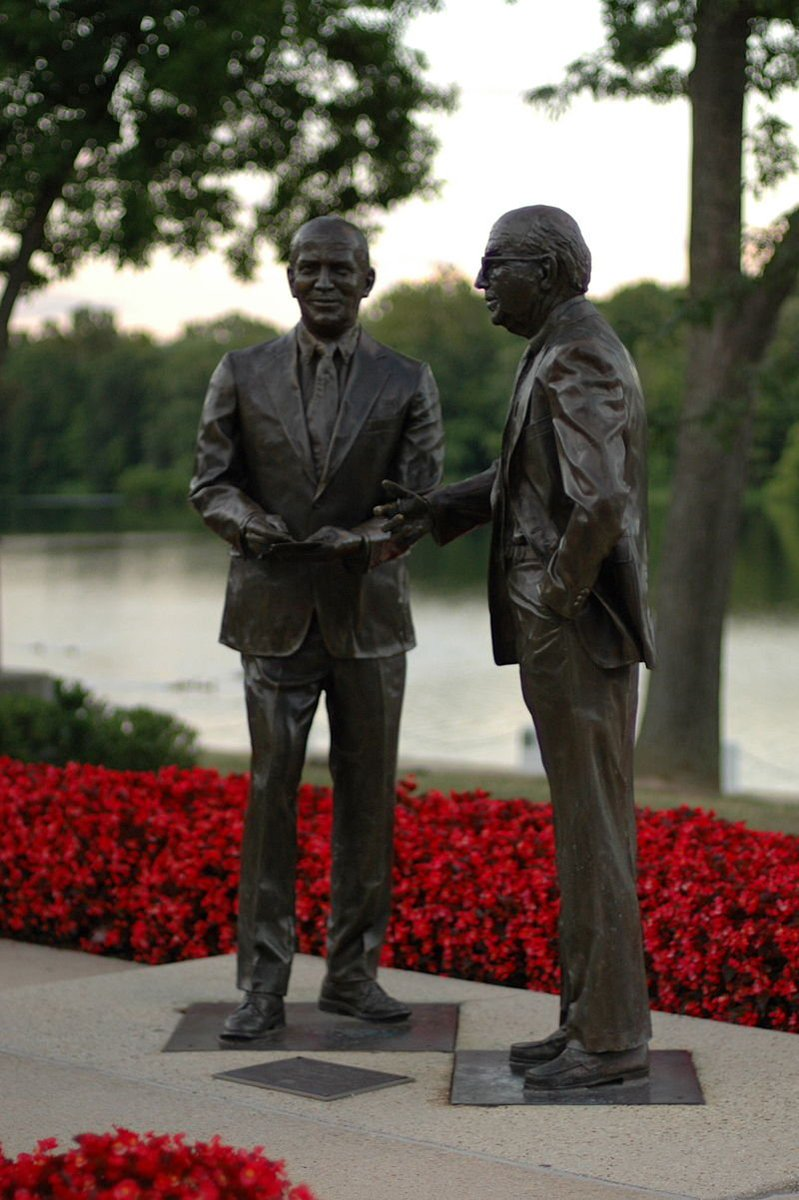 Today marks the official 50th anniversary of #Columbia. The sculpture is of James Rouse &amp; his brother Willard by the lakefront #hocomd<br>http://pic.twitter.com/GixaBOOJLo