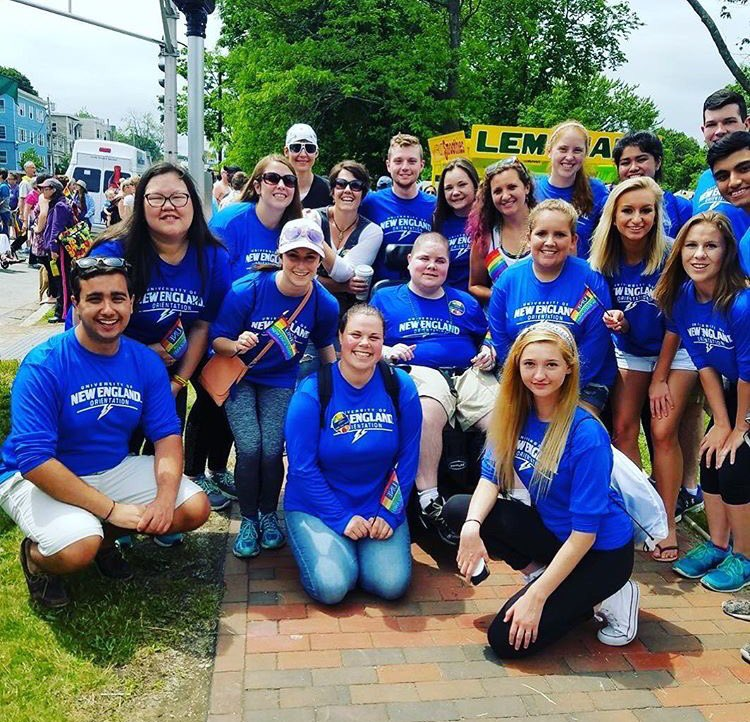 Another awesome photo of your summer Orientation Leaders marching in Portland Pride last weekend! #UNE #lifeatUNE #UNEhaspride #pridemonth <br>http://pic.twitter.com/PnkCqOCCg5
