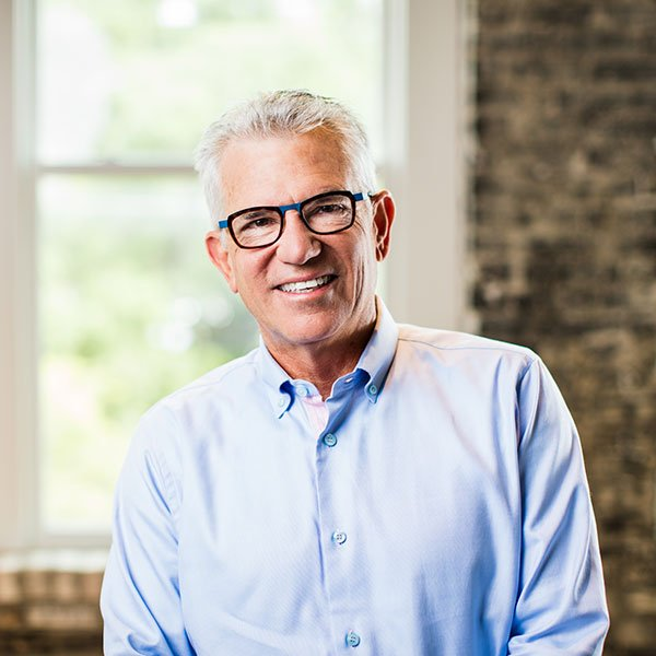 hT in a dialogue with John McKibbon, Chairman of @wearemckibbon on #pipeline &amp; collab w/@Posana #Arras #Asheville  http:// bit.ly/2sTfBZ6  &nbsp;  <br>http://pic.twitter.com/bGcfawTfOB