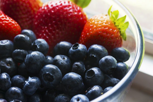 Fruit is always enjoyable in the summer, but do you know how it can affect your #BG levels?  http:// bit.ly/2nvIBzb  &nbsp;   #diabetes <br>http://pic.twitter.com/gndMjZIcJI