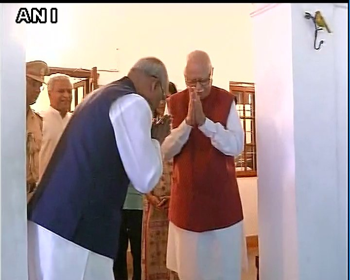 NDA's presidential candidate #RamNathKovind meets LK Advani at his residence in Delhi