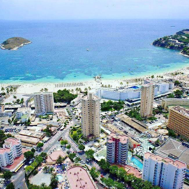 Birdseye photo of #Magaluf   RT if you wish you was here <br>http://pic.twitter.com/rj3IQ3JYjc