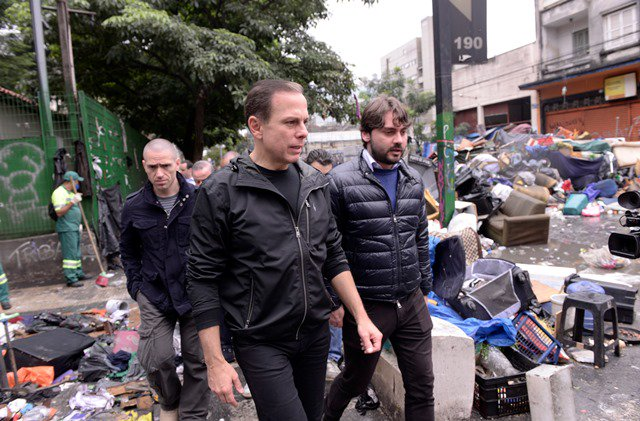 Um mês após operação desastrosa de Doria e Alckmin, Cracolândia está a 400 metros do local original https://t.co/nDnJDY4J8i