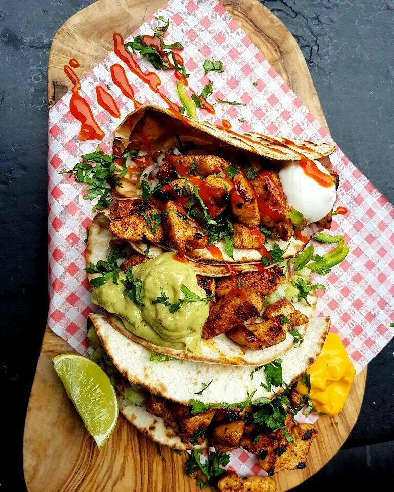 RETWEET AND FOLLOW FOR A CHANCE TO WIN THIS TACO TREAT THIS WEEK #Competition #TacoTuesday #MCR
