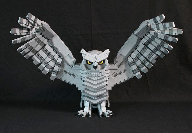 An owl. In Lego. --Shawn Snyder  #sciart @Lego_News1 #owls    http:// buff.ly/2rKQesv  &nbsp;  <br>http://pic.twitter.com/7tCiGPO0Ot