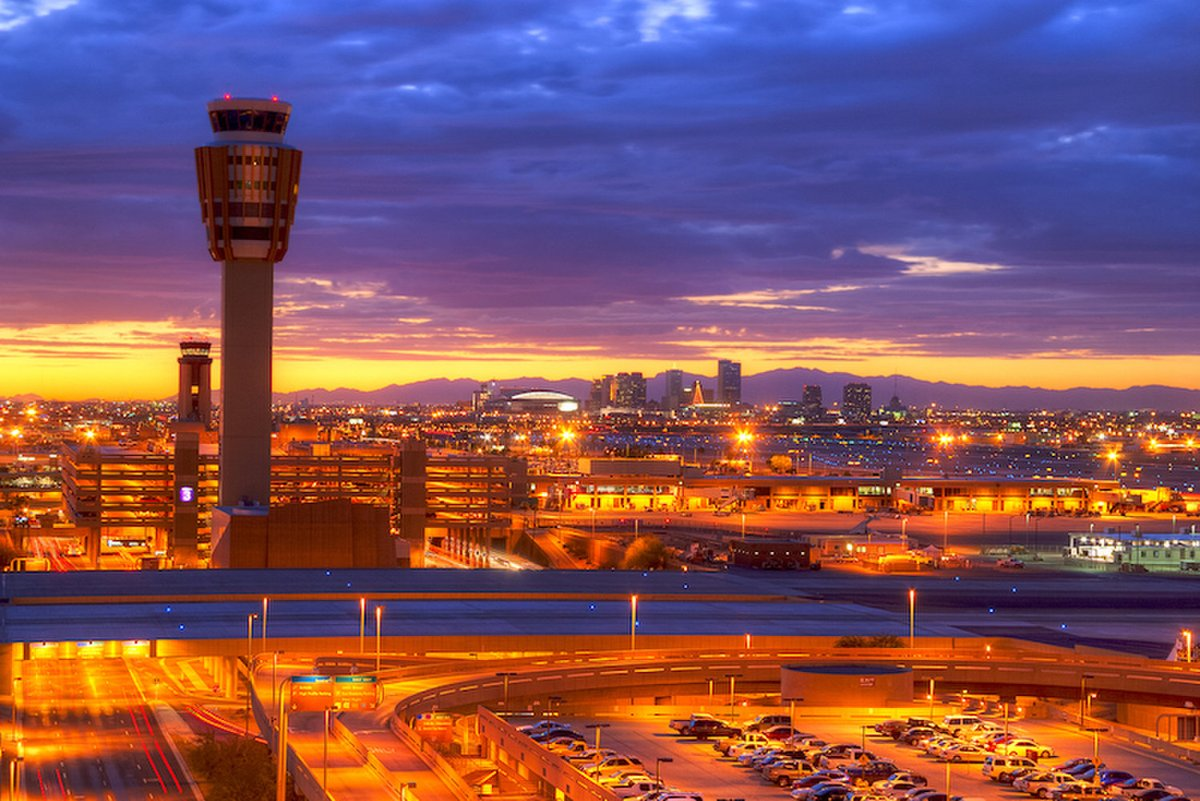 It's so hot in Phoenix, planes can't take off | @ClimateCentral  http:// crwd.fr/2tNsjFn  &nbsp;   via @LiveScience #climate #divest<br>http://pic.twitter.com/ac3QgB7PCG
