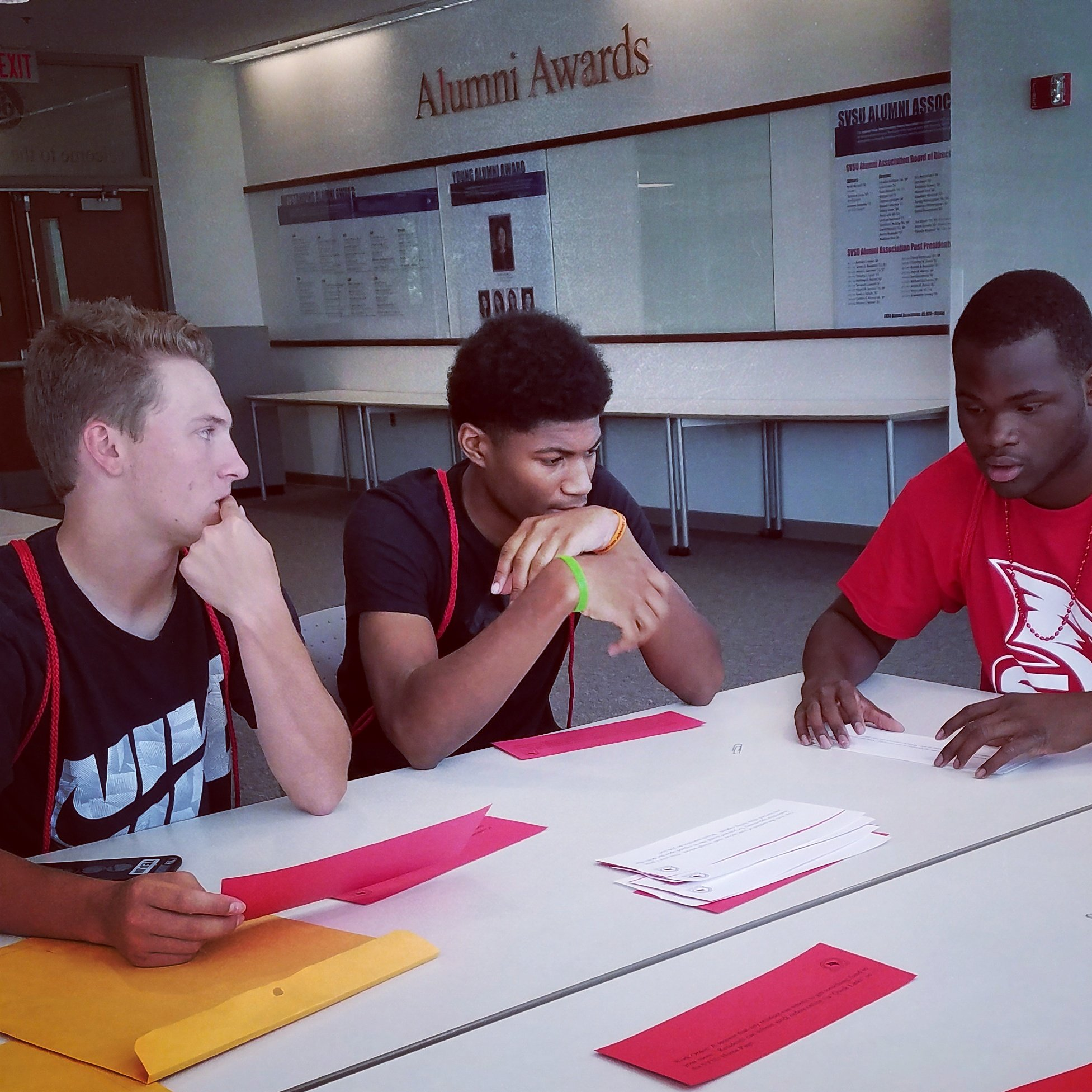 Cardinals finding solutions to life's challenges at #SVSOAR17 #Wecardinal  #reslife https://t.co/XzRElCyifZ