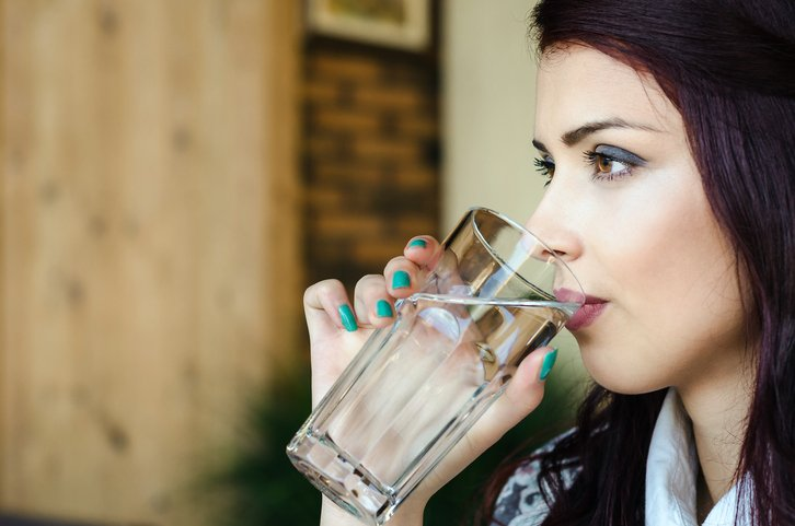 Drinking more water when your #BG levels are high enables more glucose to be flushed out of the blood  http:// bit.ly/2sqp6xA  &nbsp;   #diabetes <br>http://pic.twitter.com/Dh0jKhQhEg
