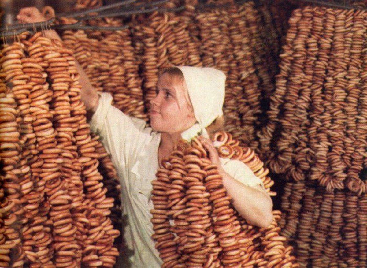 Вспоминая советские магазины... Хлебобулочные изделия