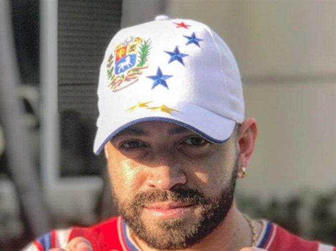 """La """"paloma"""" que le pintó Nacho a Maduro por  la Constituyente  (+Video) https://t.co/nlNFkMEx97  https://t.co/tOYkpGBB8a"""