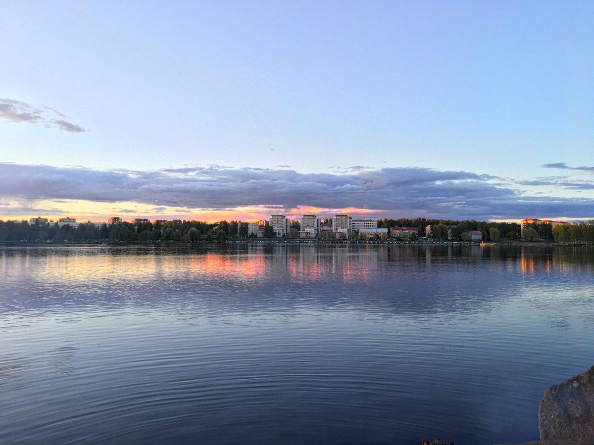 Beautiful night in #Oulu #Finland #Suomi  <br>http://pic.twitter.com/QQ0iBIGnwu
