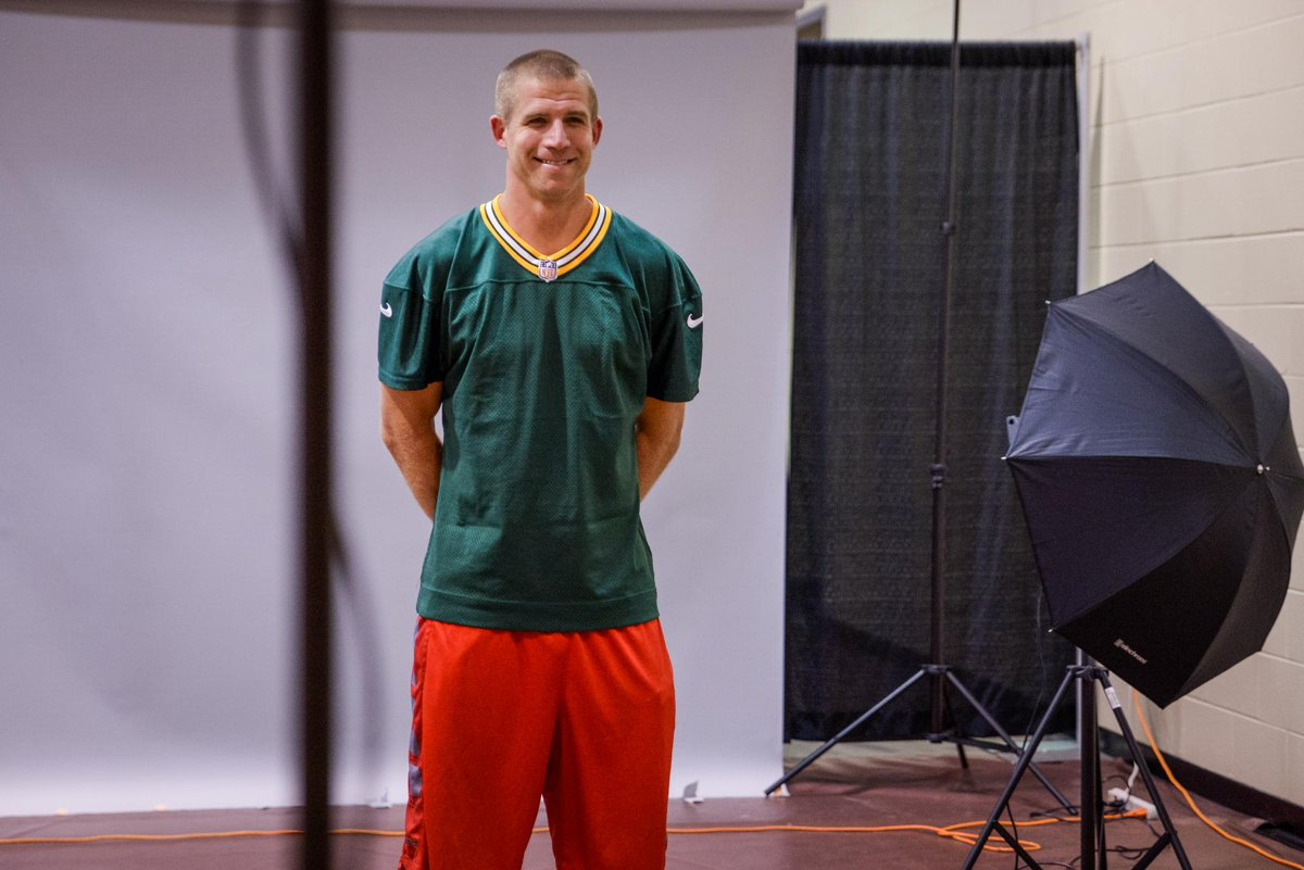 Behind the scenes at #Packers headshot day     http:// pckrs.com/fvg8  &nbsp;  <br>http://pic.twitter.com/jeg9k49ZYj