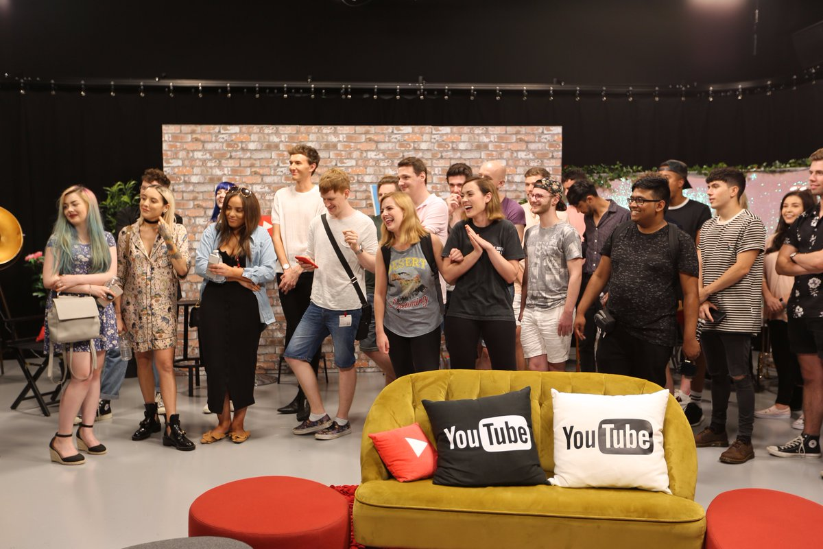 We're about to go live! #YouTubers4Grenfell  Watch ➡️ https://t.co/Ln4...
