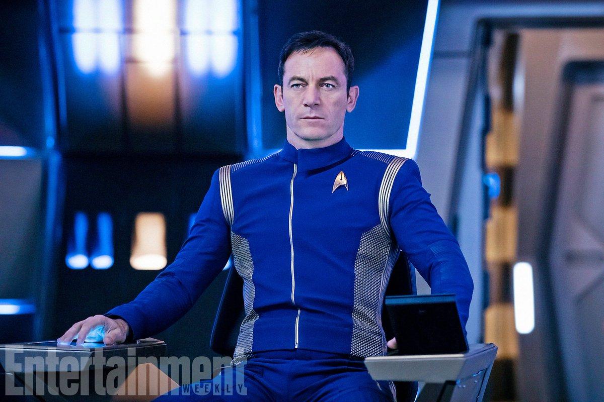 #StarTrekDiscovery first look at Jason Isaacs as Captain Lorca https:/...
