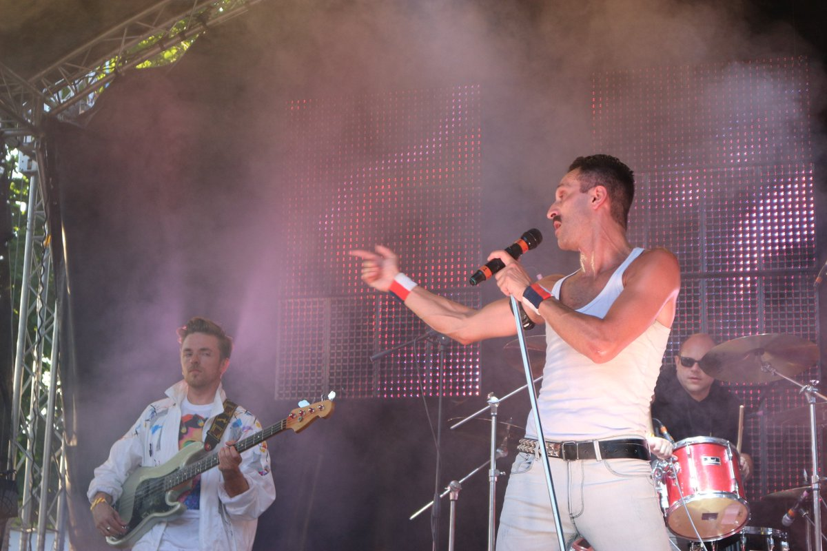 #QUEEN are BACK for IPSWICH and so are #BON JOVI! Here is how awesome they looked and played at Abbey Gardens last weekend #nearlyfest2017<br>http://pic.twitter.com/JKjkibINqK