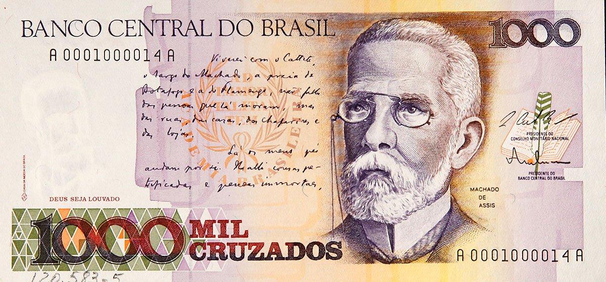 Há 178 anos, nascia o escritor Machado de Assis. Ele estampou a cédula de 1000 Cruzados, emitida no fim do vigor desse padrão monetário.