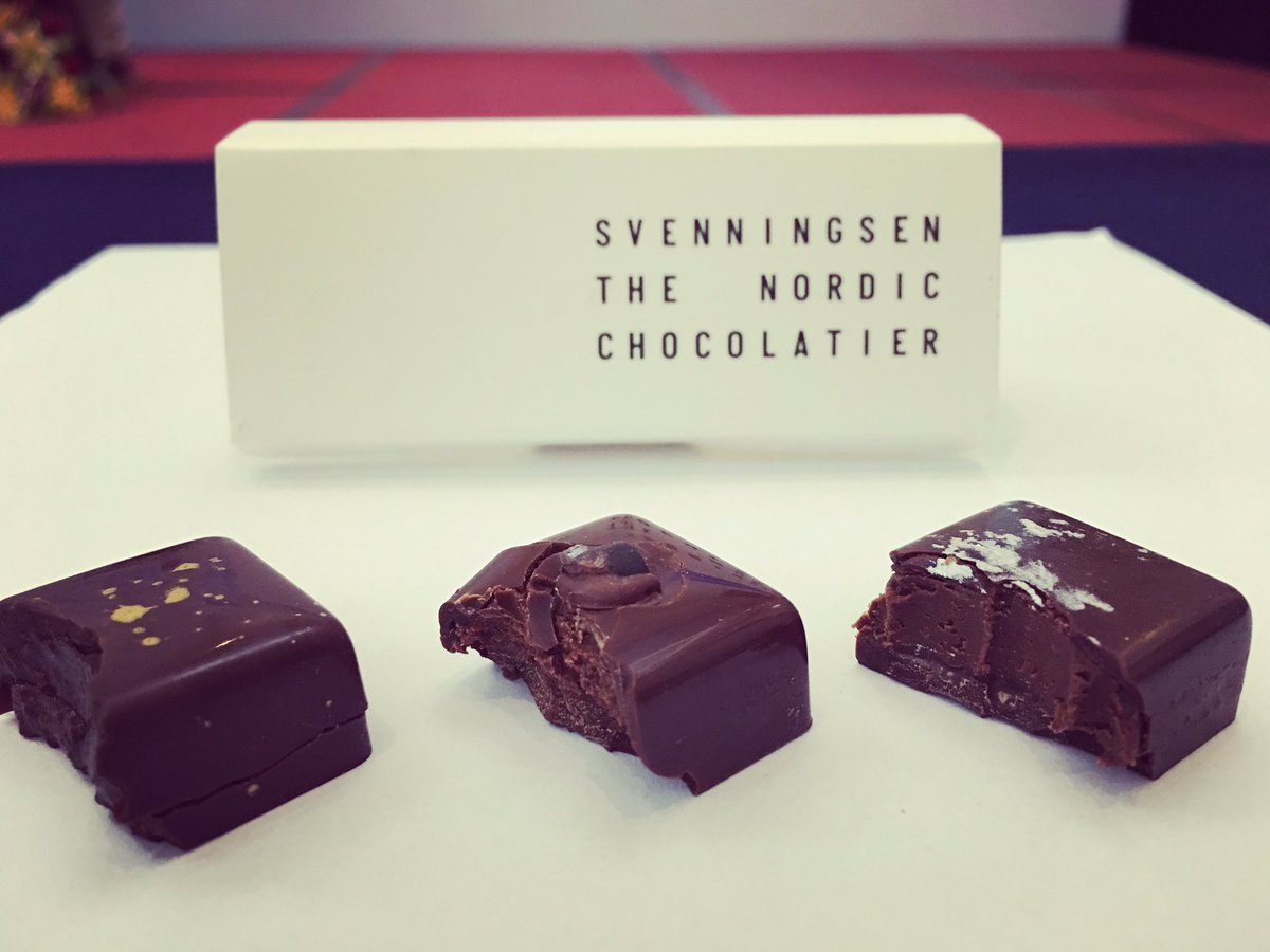#chocolate #pralines made with 3 different waters. @ROI_water Iskilde @svalbardiice from @choconord incredible different #watersommelier <br>http://pic.twitter.com/6yzuVDbEVe