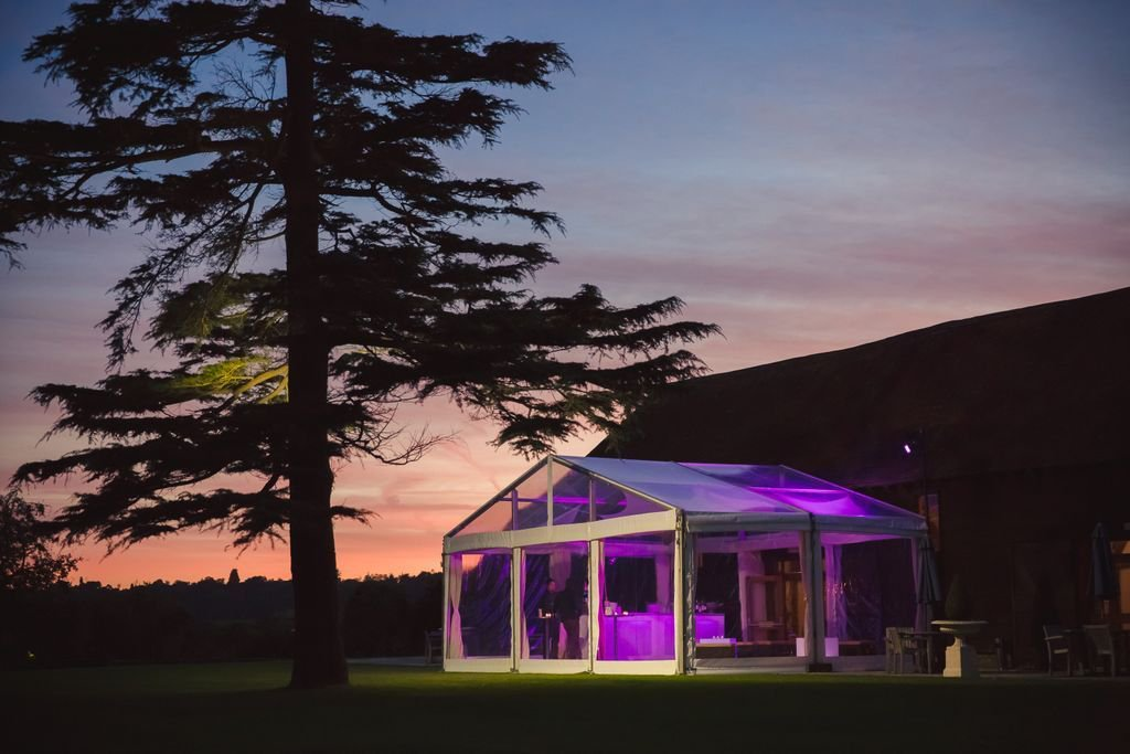 RT @ISOS_Marquees Finding the perfect venue for your #Wedding has been made a lot easier thanks to @LoseleyPark https://t.co/eS4iEhN1Gg #WeddingHour