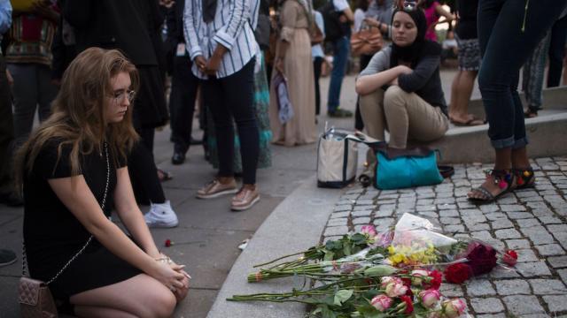 DC Memorial for Muslim teenager killed in Virginia set on fire https://t.co/JiwkPP6jnv