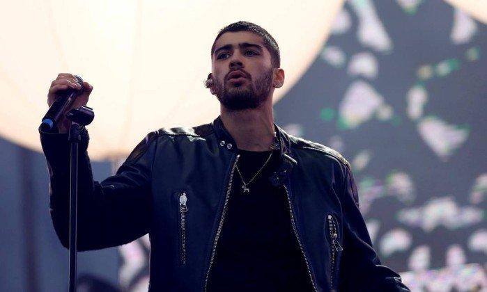 Ex-vocalista do One Direction, Zay Malik revela que foi interrogado em aeroporto dos EUA por ser muçulmano https://t.co/5FQs33tmVx