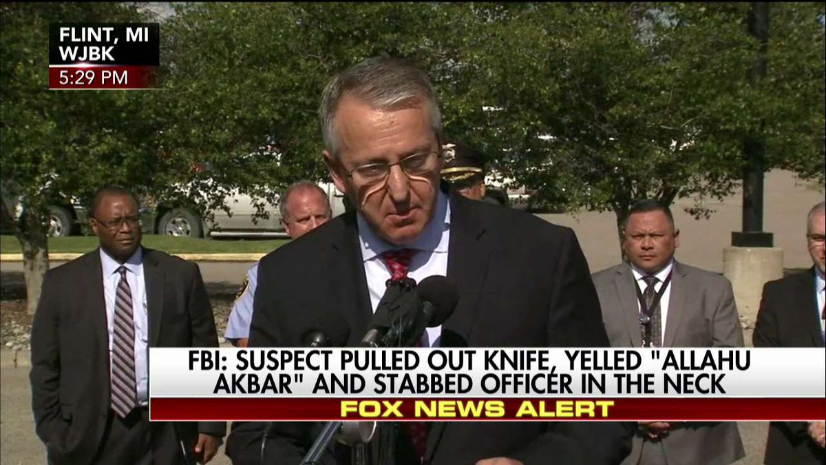 FBI: Suspect is Amor Ftouhi, approximately 50, Canadian. https://t.co/...