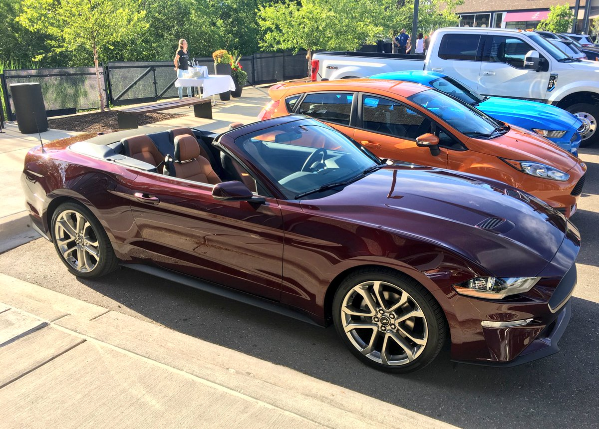 mike levine on twitter new 2018 ford mustang convertible ready for summer. Black Bedroom Furniture Sets. Home Design Ideas