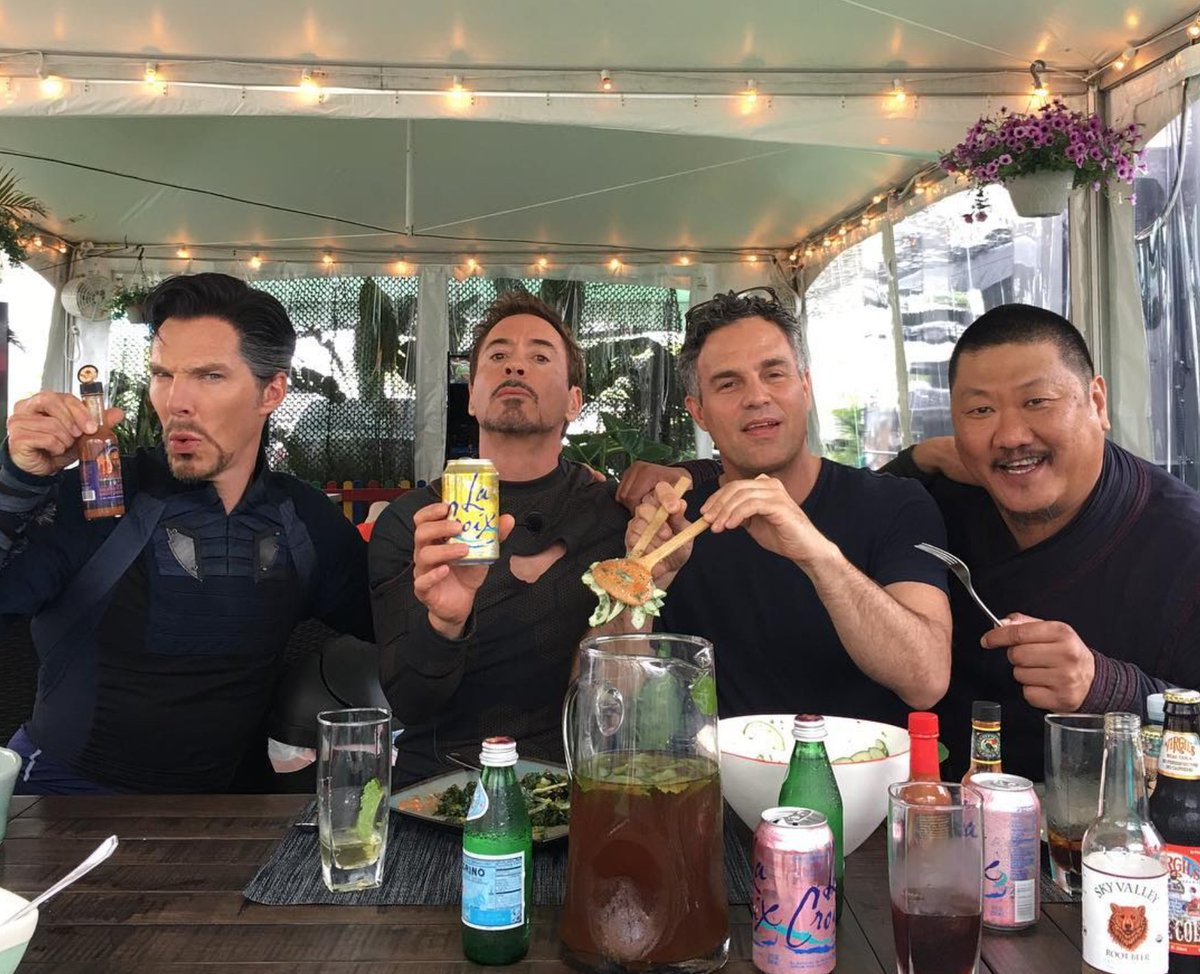 @Marvel  here  we got some new #Marvel  #InfiniteWar behind the scenes pic #BehindTheScenes #marvelpic #NationalSelfieDay <br>http://pic.twitter.com/xRac12cShM
