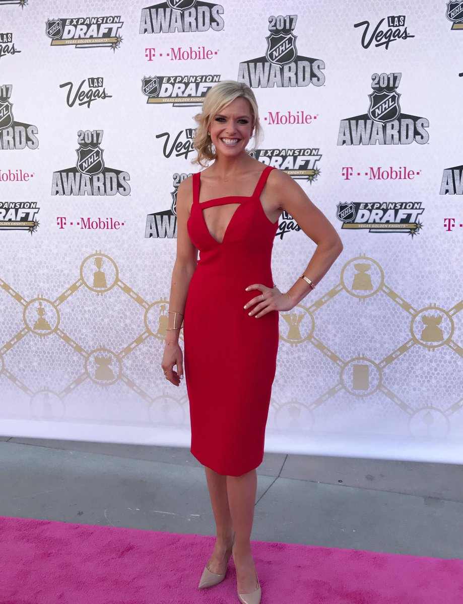 The magenta carpet! Now we're talking! Thx @CSiriano for your eye!#NHL...