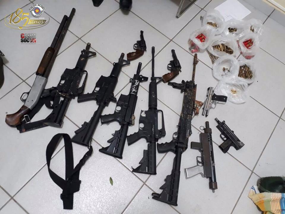 Em operação conjunta, quadrilha é desmantelada em Miracatu. Diversos fuzis foram apreendidos. Confira: https://t.co/GKeEPCconI